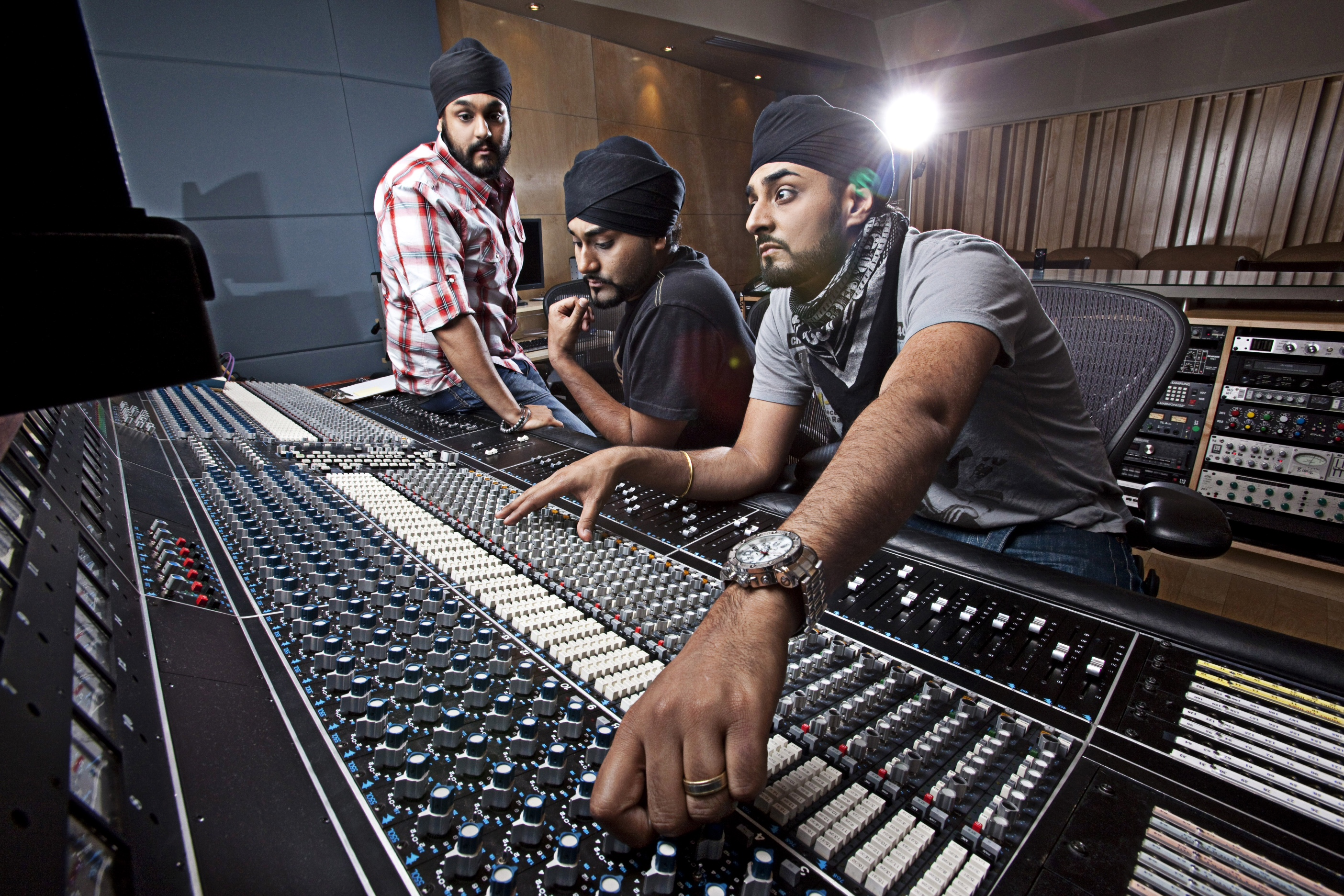 Studio (surj far left, Kuly middle, Manj right)