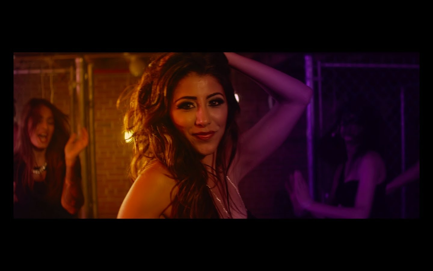 Shilpa Thakur's 'Bombay Nights' will get you pumped up like nothing else!