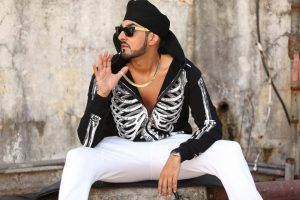 manj-coming-up-with-a-song-raftaar
