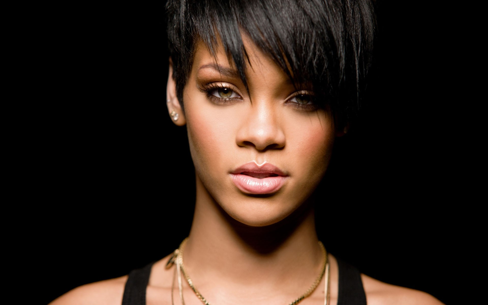 11 Music Artists rihanna